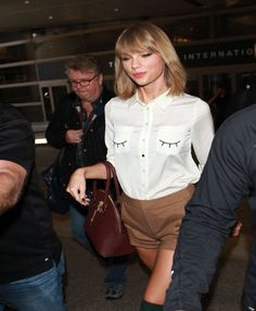 Taylor Swift Accidentally Releases Silence and It Tops iTunes Chart | Cambio
