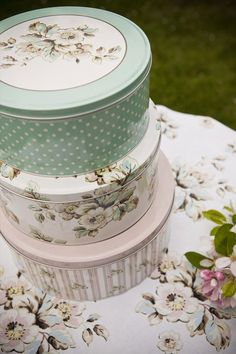 beautiful Katie Alice Cottage Flower cake tins