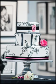 A Black,White and Hot Pink Wedding Cake