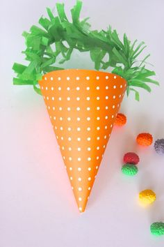 Free printable: Carrot Treat Cone with festooning handle  {Petite Party Studio} #Easter