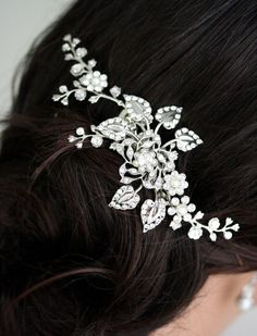 Bridal Hair Comb, Wedding Hair Piece with Swarovski Crystal flowers, Leaves and Vines, Pearl and Rhinestone Side Comb, HARLOW VINE