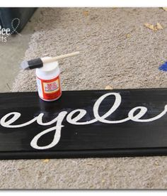 learn how to get those crisp paint lines - great trick!  Sugar Bee Crafts 