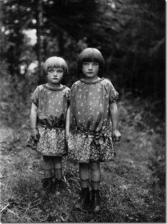 august-sander---sisters-1930_thumb3.jpg (404×543)