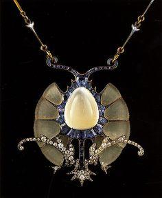 Pendant necklace by Rene Lalique