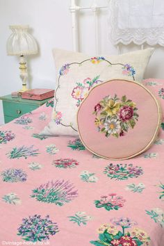 A pretty 1940s floral linen bedspread and embroidered cushions on the guest bed: www.vintage-home.co.uk Guest Bed, Floral Linen, Embroid Cushion