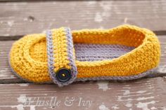 Women's Button Strap Slippers - Free pattern #freepattern #crochet women button, crochet slippers, strap slipper, slipper pattern, crochet free patterns, buttons, crochet patterns, button strap, sweet dreams