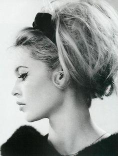 Brigitte Bardot looking fabulous - her hair is amazing - relaxed updo, in a backcombed ponytail/bun.  wow. www.nakedhealthspa.com #bridgettebardot #greathair #backcomb #eyeflick
