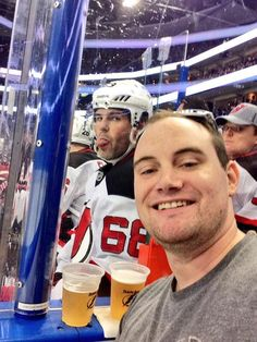 The ULTIMATE photo bomb for any hockey fan!