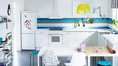 Cuisine IKEA conçue pour les enfants  lampe murale ++