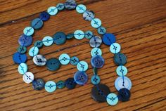 How to make a button necklace {or garland}