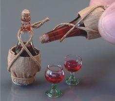 Chianti Bottle w/Glasses