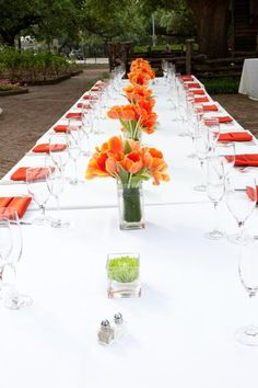 orange napkins carry through the color