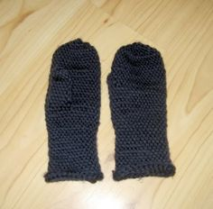 Mittens, fast and easy :D w. kind of a tute - CROCHET  handmade gifts for men on Craftster.org