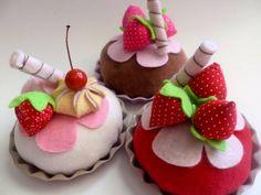 Tortinha de Morango | Ana Tuyama - crafts | B5E80 - Elo7