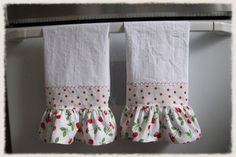 Cherry Ruffled Kitchen Towel Set (2)