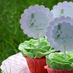 A Little Loveliness: Happy Easter Cupcakes