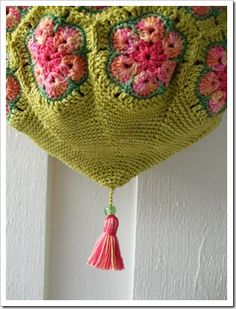 Crocheting bag hexagons green pink beautiful