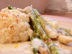 Spanish Asparagus and Cauliflower Cheese Bake - Proper, flavoursome Spanish cheeses make this a fantastic, gutsy, grown up supper dish.