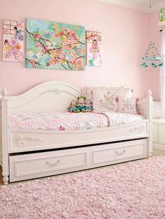 Cottage Style Girls Bedroom With Plate Collage on Wall : Designers' Portfolio : HGTV - Home & Garden Television