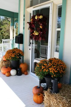fall decorating porch