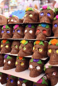 Dia de los Muertos - Chocolate Skulls!