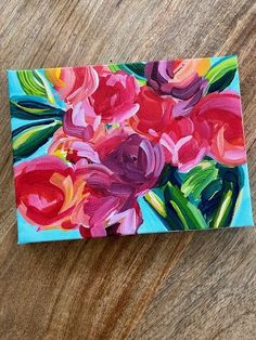 Learn how to paint easy abstract flowers on canvas in acrylic paint with step by step video tutorials by artist Elle Byers.  Elle will teach you how to DIY your own abstract flower painting on canvas step by step! #painting #flowers #tutorial