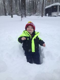 """Christy Carroll, Greenville  Baby's first """"real snow"""" #WHSVsnow christi carrol, real snow, greenvill babi, whsvsnow contest"""