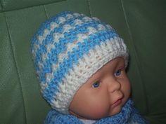 An cute and easy crochet baby hat. Crochet Little X's Beanie Babe Hat. Free Pattern - Media - Crochet Me