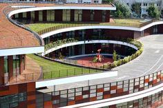 Complex School in Bobigny - Spiral