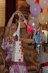 Bachelorette Party gift. Undie chain.  I need to remember this for Aggies party.