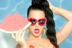 Video Premiere: Katy Perry - This Is How We Do