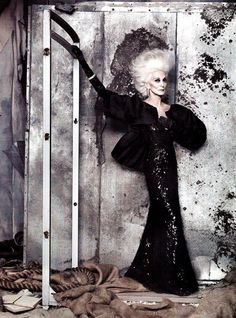 Carmen Dell'Orefice is 80 years old..