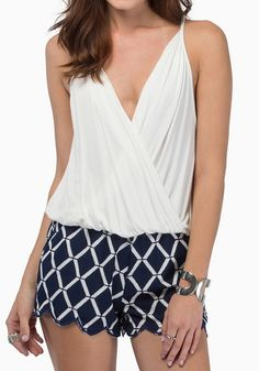 Love this! Love the Draping! Sexy Navy and White Plain Sleeveless Plunging Neckline Chiffon Draped Tank Top! #Sexy #Navy_and_White #White #Tank_Top #Summer #Fashion