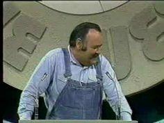 Jonathan Winters roasts Johnny Carson .