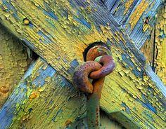 #door #rustic #colorful #details