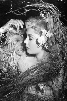 Jean Simmons as Ophelia in Hamlet (1948). Photo by Cecil Beaton