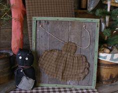 http://www.picturetrail.com/sweetliberty Brown homespun apron
