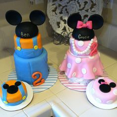 Twins Mickey and Minnie cakes