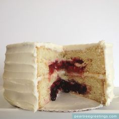 4th of July Food Ideas: Red, White, and Blue Pie Cake #partyideas #foodideas #peartreegreetings