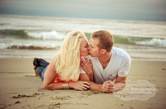 kiss, engagement pictures, beach photos, photogrphi idea, famili beach