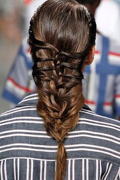 Cage herringbone braid