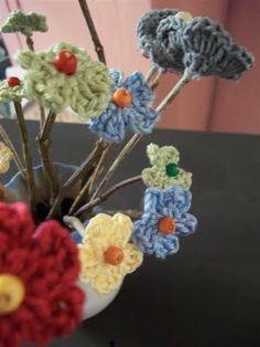 twiggy crochet flowers