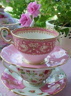 Tea cups in pink...