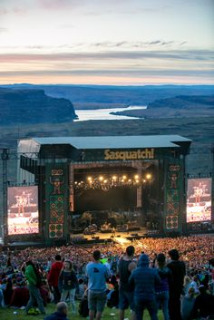 Sasquatch! Music Festival: Partying sell-out crowds pack the Northwest's most spectacular outdoor venue for multi-day Memorial Day music extravaganza.