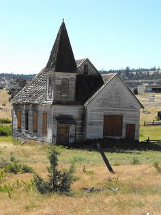 Abandoned church in Simnasho, Oregon.
