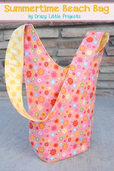 Make Your Own Beach Tote – A Great DIY Craft for Summer!