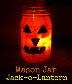 Mason Jar Jack-o-lantern #Halloween #Craft