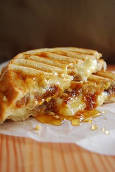 Grilled Figs and Cheese would be great for Fancy Feast Cat Lover's Gourmet Grilled Cheese House Party #CatsSayCheese