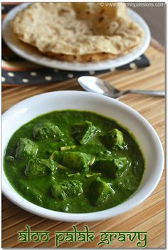 Aloo Palak (Potatoes in spinach gravy)