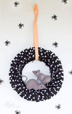 Easy Halloween Rat wreath